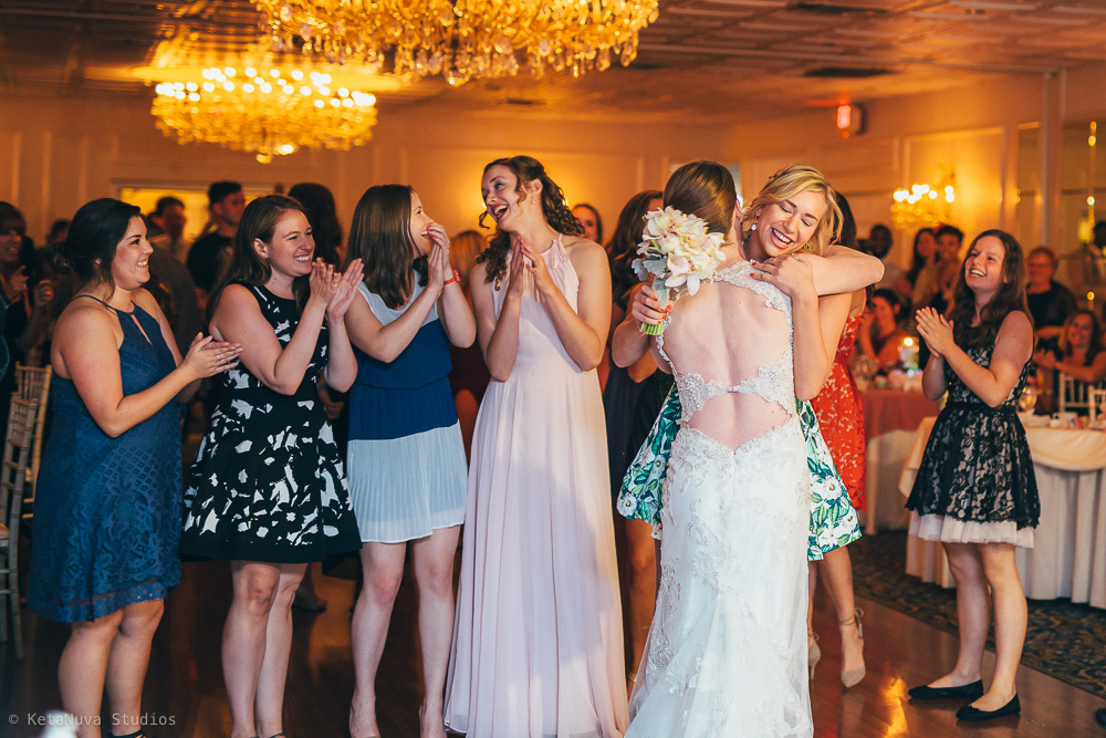 Perona Farms wedding - successful catch of the bouquet!